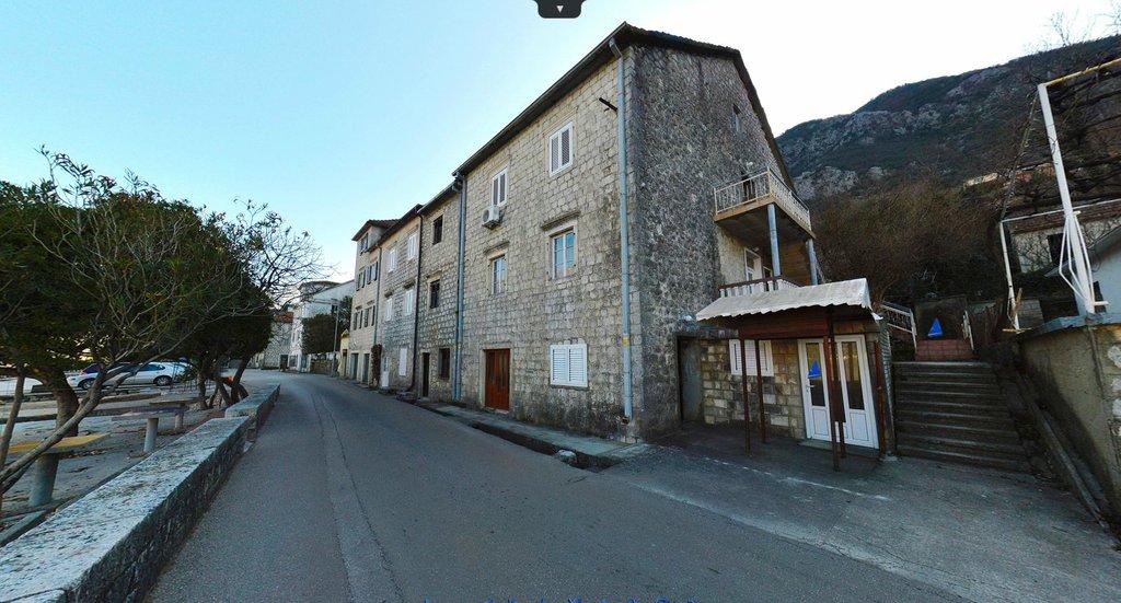 Kuća kamena 250m2 Prčanj Kotor